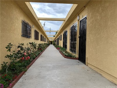 North Hollywood Condo/Townhouse For Sale: 7923 Agnes Avenue #19