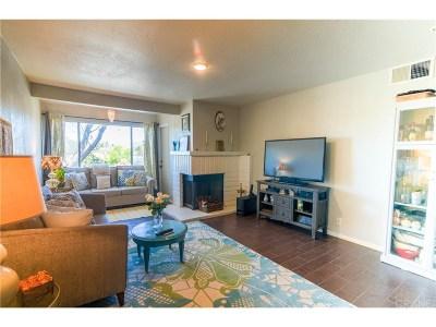 Canoga Park Condo/Townhouse For Sale: 7800 Topanga Canyon Boulevard #204
