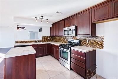Canoga Park Condo/Townhouse For Sale: 7305 Milwood Avenue #5