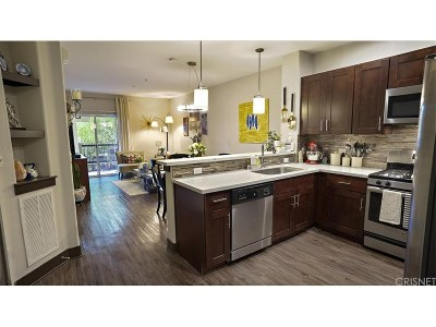 Valencia Condo/Townhouse For Sale: 24545 Town Center Drive #5208