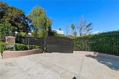 Sherman Oaks Single Family Home Active Under Contract: 14183 Valley Vista Boulevard