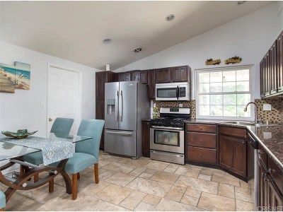Canyon Country Single Family Home Active Under Contract: 18506 Kimbrough Street