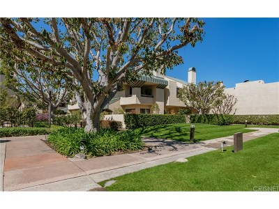 Los Angeles County Condo/Townhouse For Sale: 2336 Century