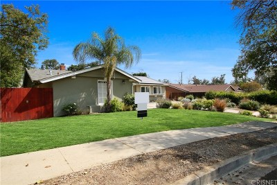 Single Family Home For Sale: 23753 Community Street