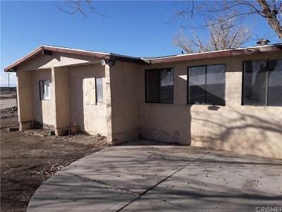 Rosamond Single Family Home For Sale: 2097 Hwy 14