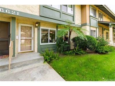 Reseda Condo/Townhouse Active Under Contract: 6621 Wilbur Avenue #10