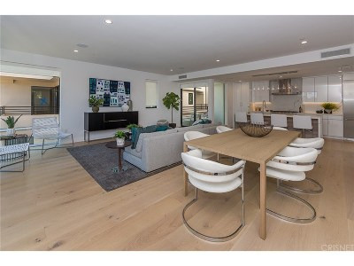 Hollywood Single Family Home Active Under Contract: 743 North Gramercy Place