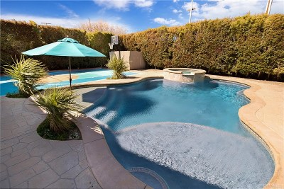 Chatsworth Single Family Home For Sale: 22107 Heidemarie Street