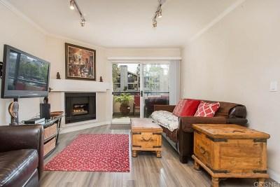 Woodland Hills Condo/Townhouse For Sale: 21520 Burbank Boulevard #102