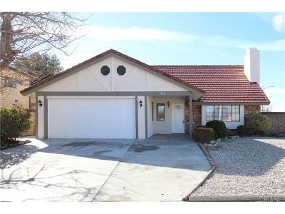 Lancaster Single Family Home For Sale: 1734 Linda Avenue