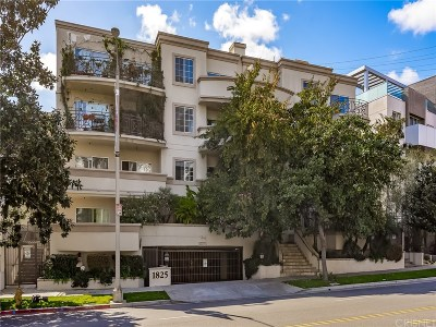 Condo/Townhouse For Sale: 1825 South Beverly Glen Boulevard #402