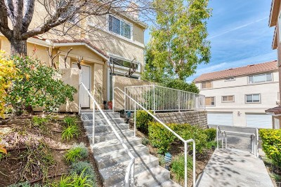 Stevenson Ranch Condo/Townhouse For Sale: 25711 Holiday Circle #D
