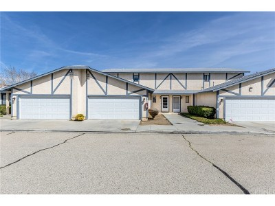 Lancaster Condo/Townhouse For Sale: 43840 Bobby Jones Drive #18