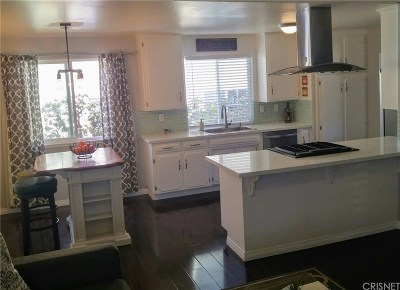 Simi Valley Single Family Home For Sale: 1562 Sabina Circle