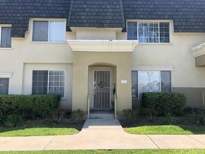 Reseda Condo/Townhouse For Sale: 6500 Tampa Avenue #4