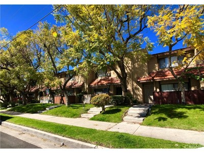 Panorama City Condo/Townhouse For Sale: 14435 Plummer Street #12