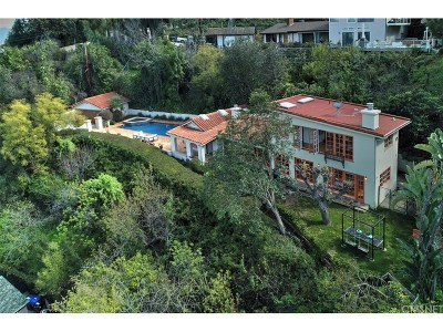 Studio City Single Family Home Active Under Contract: 3646 Sunswept Drive