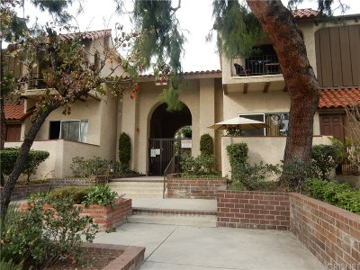 Reseda Condo/Townhouse For Sale: 19545 Sherman Way #64
