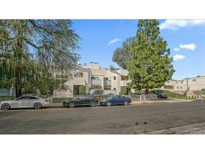 Tarzana Condo/Townhouse For Sale: 18411 Hatteras Street #110