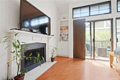 Tarzana Condo/Townhouse For Sale: 18324 Clark Street #305
