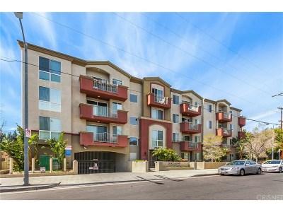 Canoga Park Condo/Townhouse Active Under Contract: 7551 Jordan Avenue #310
