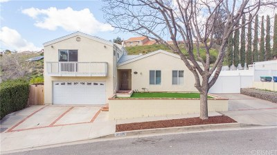 Canyon Country Single Family Home Active Under Contract: 27825 Northbrook Avenue