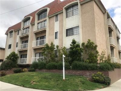 Condo/Townhouse For Sale: 3568 Keystone Avenue #4