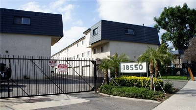 Tarzana Condo/Townhouse For Sale: 18550 Hatteras Street #66