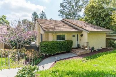 Oak Park Single Family Home For Sale: 5708 Camelia Lane