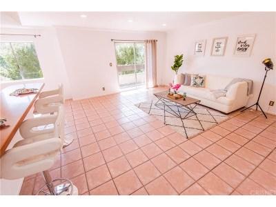 Condo/Townhouse For Sale: 2700 East Cahuenga Boulevard East #2105