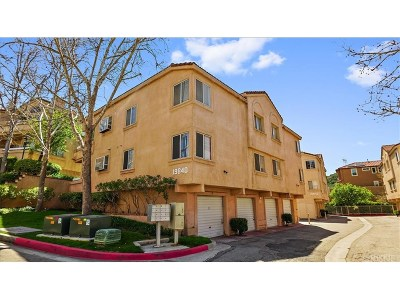 Newhall Condo/Townhouse Active Under Contract: 19840 Sandpiper Place #80