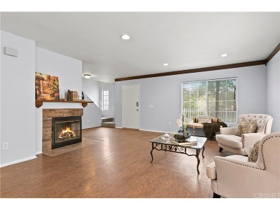 Stevenson Ranch Condo/Townhouse Active Under Contract: 25112 Steinbeck Avenue #B