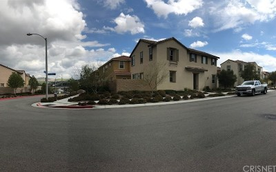 Canyon Country Single Family Home For Sale: 26910 Trestles Drive