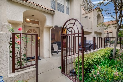 Chatsworth Condo/Townhouse Active Under Contract: 22343 Golden Canyon Circle #123