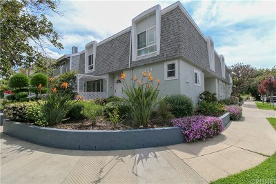 Sherman Oaks Condo/Townhouse For Sale: 13454 Moorpark Street #4