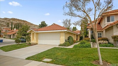 Canyon Country Single Family Home Active Under Contract: 15649 Burt Court