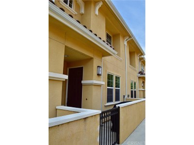 Simi Valley Condo/Townhouse For Sale: 1630 Heywood Street #C