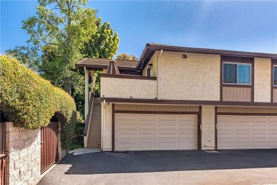 Thousand Oaks Condo/Townhouse Active Under Contract: 1344 East Hillcrest Drive #39