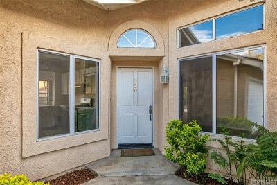 Saugus Condo/Townhouse Active Under Contract: 22940 Banyan Place #320