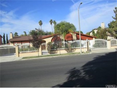 Northridge Single Family Home For Sale: 9521 Yolanda