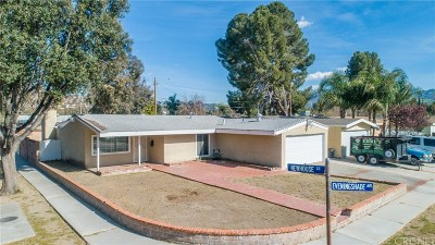 Canyon Country Single Family Home Active Under Contract: 27568 Eveningshade Avenue