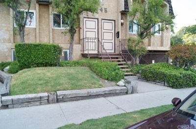 North Hollywood Condo/Townhouse For Sale: 6145 Whitsett Avenue #2