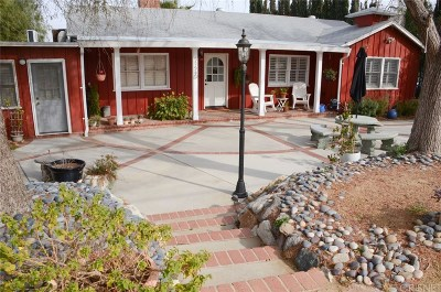 Castaic Single Family Home Active Under Contract: 31540 Cherry Drive