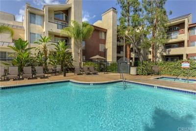 Woodland Hills Condo/Townhouse For Sale: 5535 Canoga Avenue #135