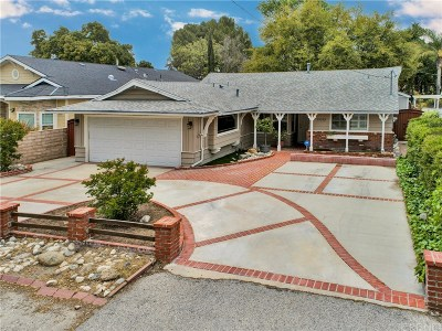 Newhall Single Family Home For Sale: 23215 Maple Street