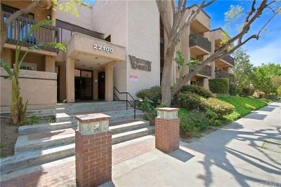 Woodland Hills Condo/Townhouse For Sale: 22100 Burbank Boulevard #343