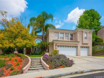 Los Angeles County Single Family Home For Sale: 24241 Hillhurst Drive