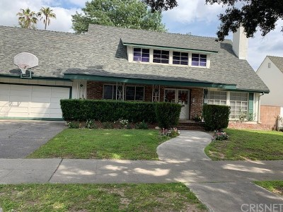 Chatsworth Single Family Home Active Under Contract: 9520 Oakdale Avenue