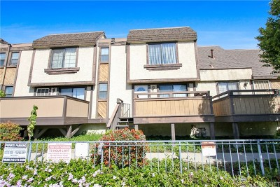 Sylmar Condo/Townhouse For Sale: 11300 Foothill Boulevard #41