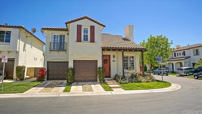 Valencia Single Family Home Active Under Contract: 28108 Castillo Lane